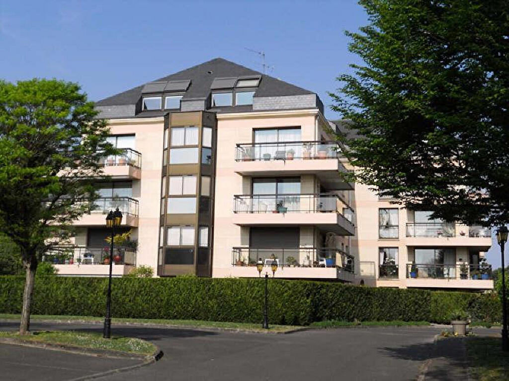Achat Appartement 4 pièces à Saint-Gratien - vignette-1