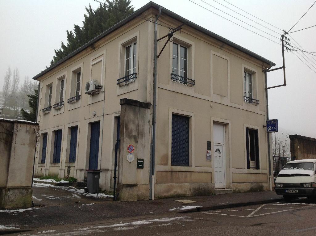 Location Appartement 5 pièces à Bar-le-Duc - vignette-1