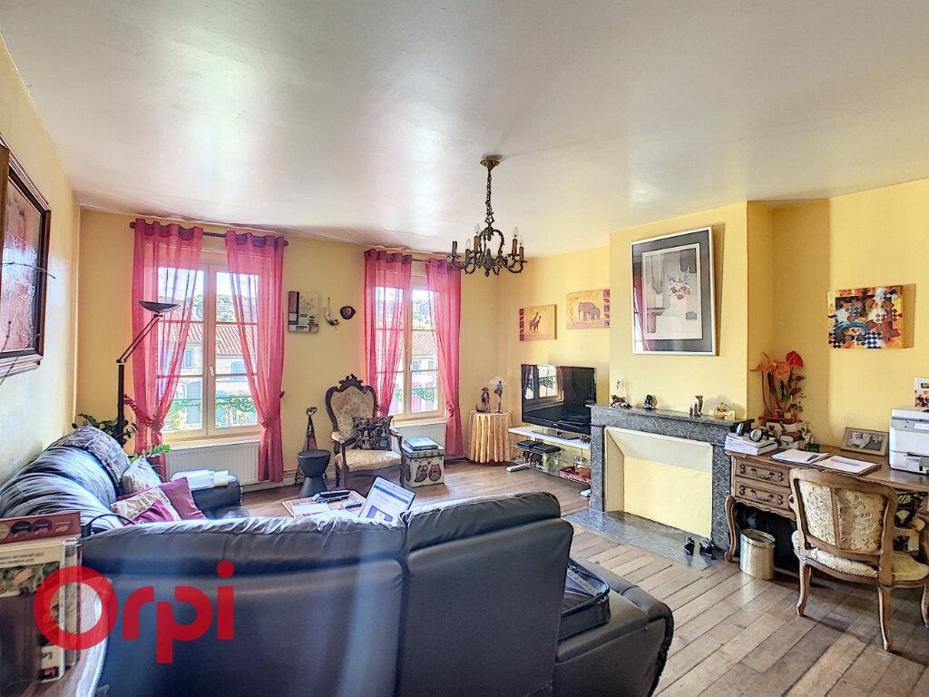 Achat Appartement 5 pièces à Bar-le-Duc - vignette-2