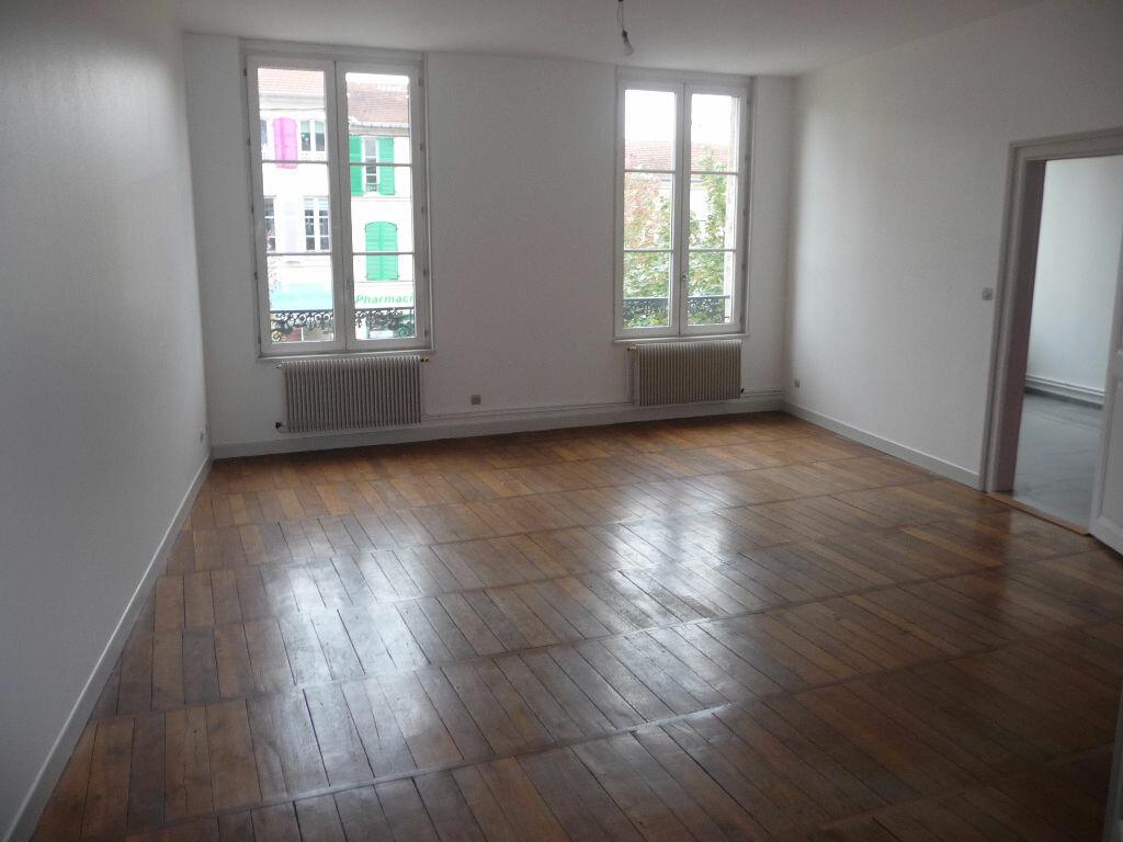 Location Appartement 3 pièces à Bar-le-Duc - vignette-1
