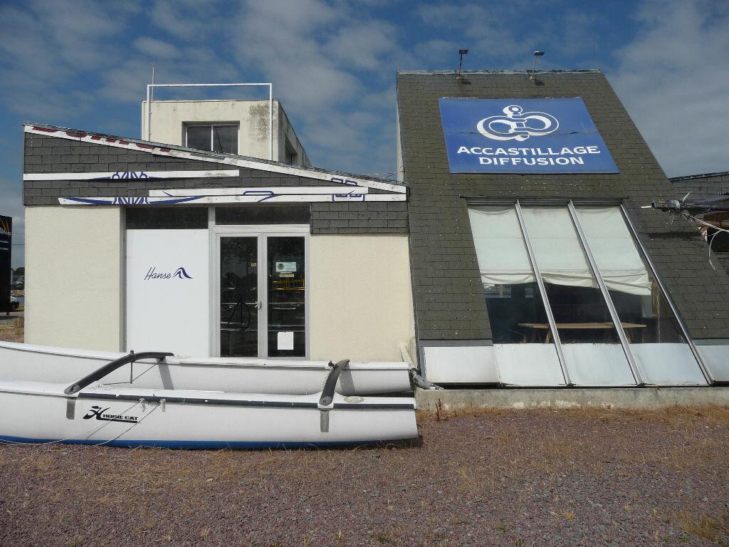 Location Local commercial  à Ouistreham - vignette-1