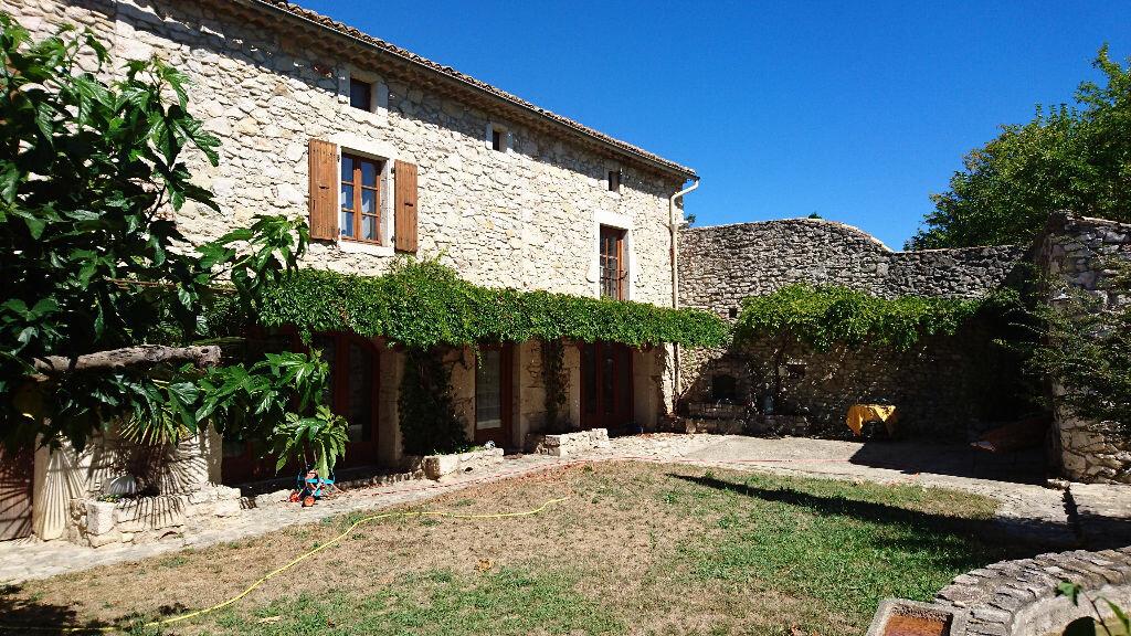 Achat Maison 11 pièces à Saint-Remèze - vignette-1