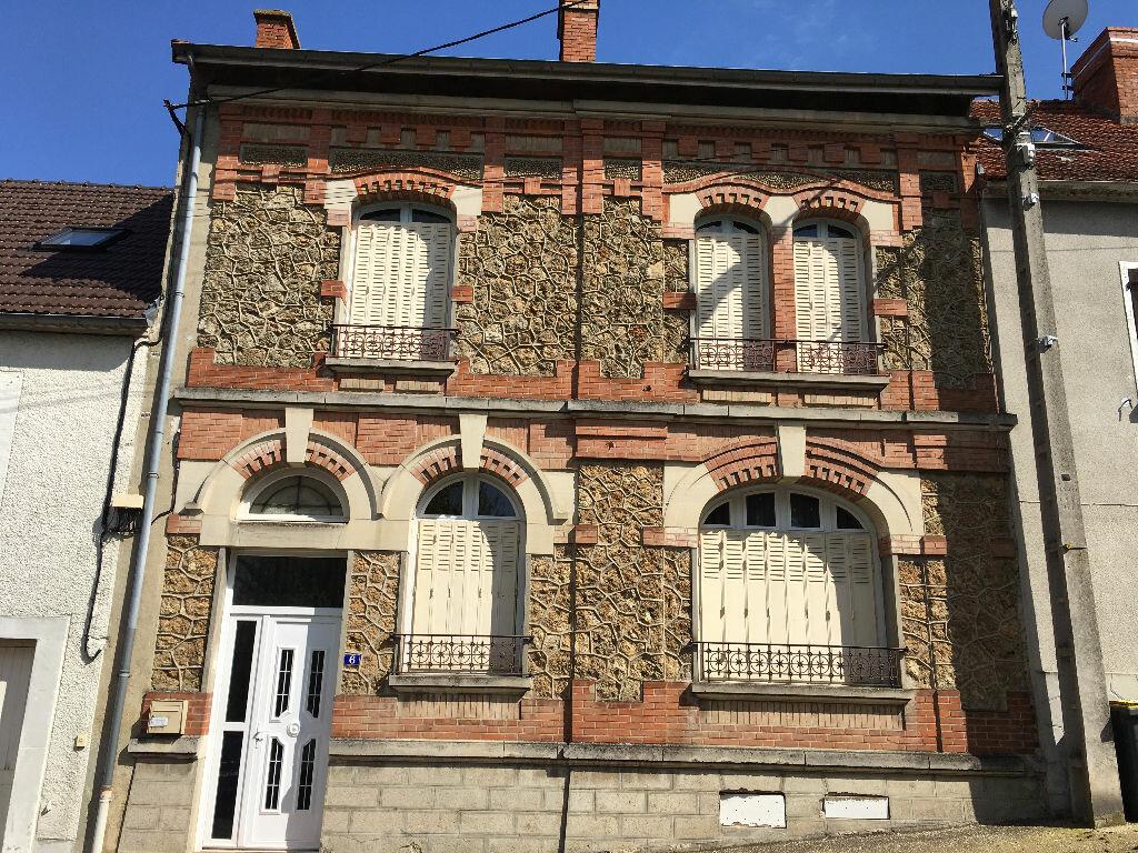 Achat Maison 7 pièces à Mareuil-le-Port - vignette-1