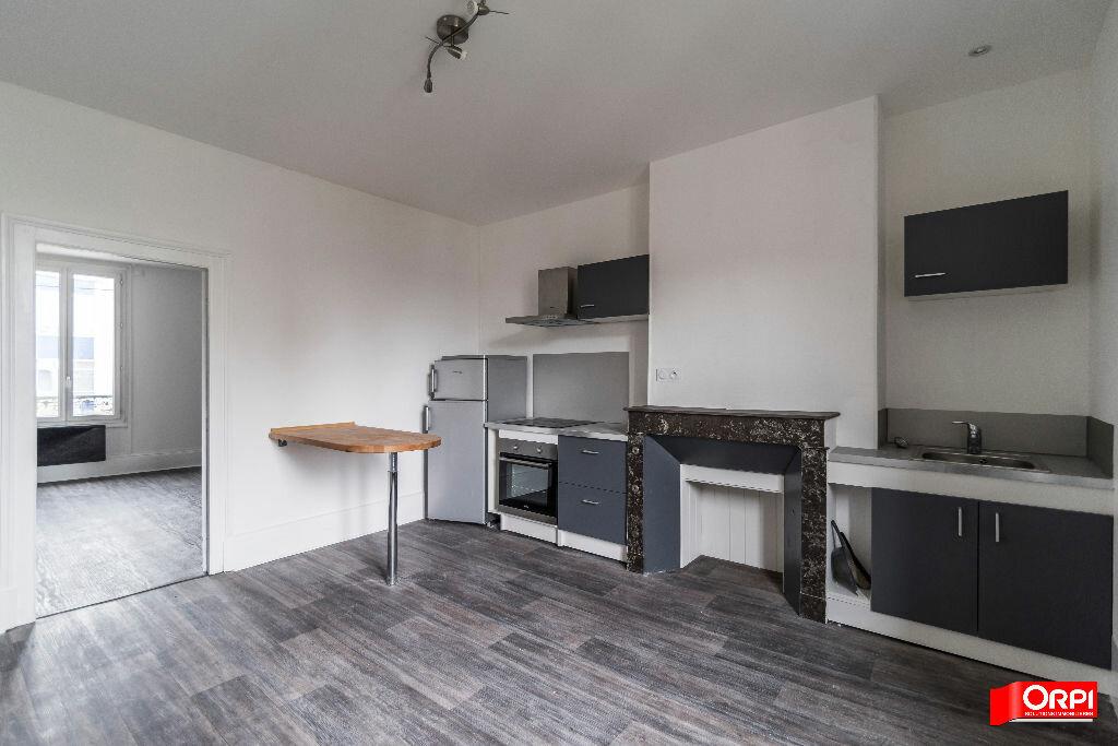Location Appartement 1 pièce à Épernay - vignette-1