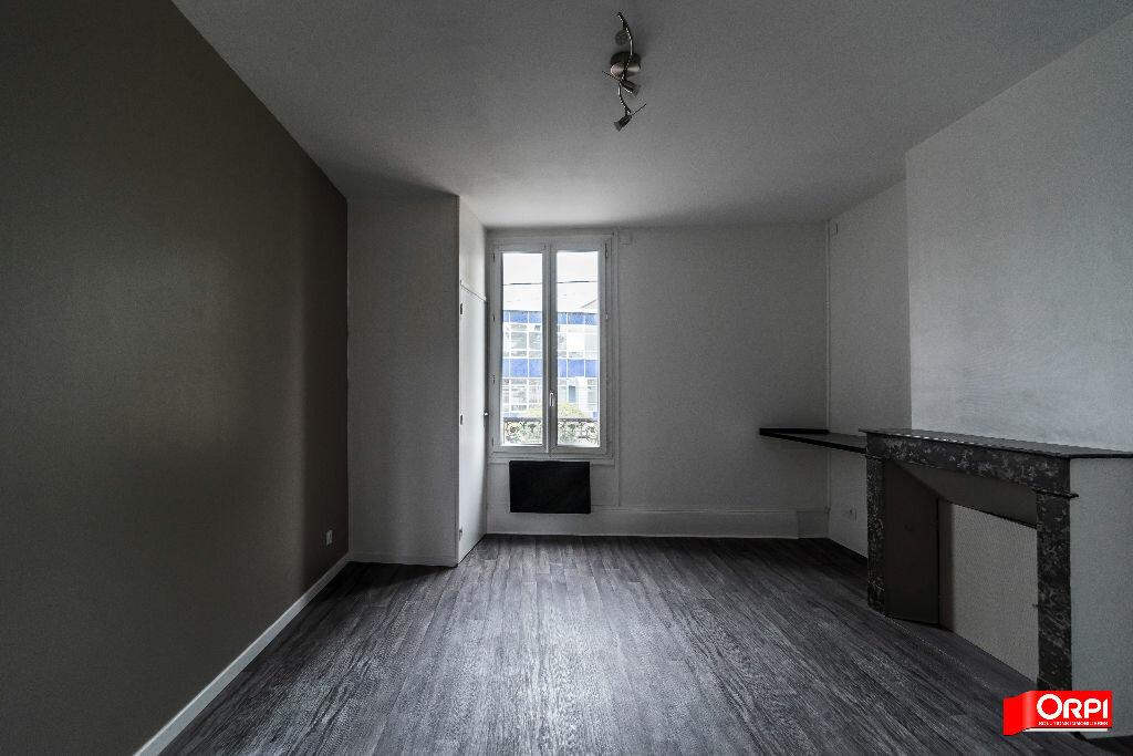 Location Appartement 1 pièce à Épernay - vignette-2