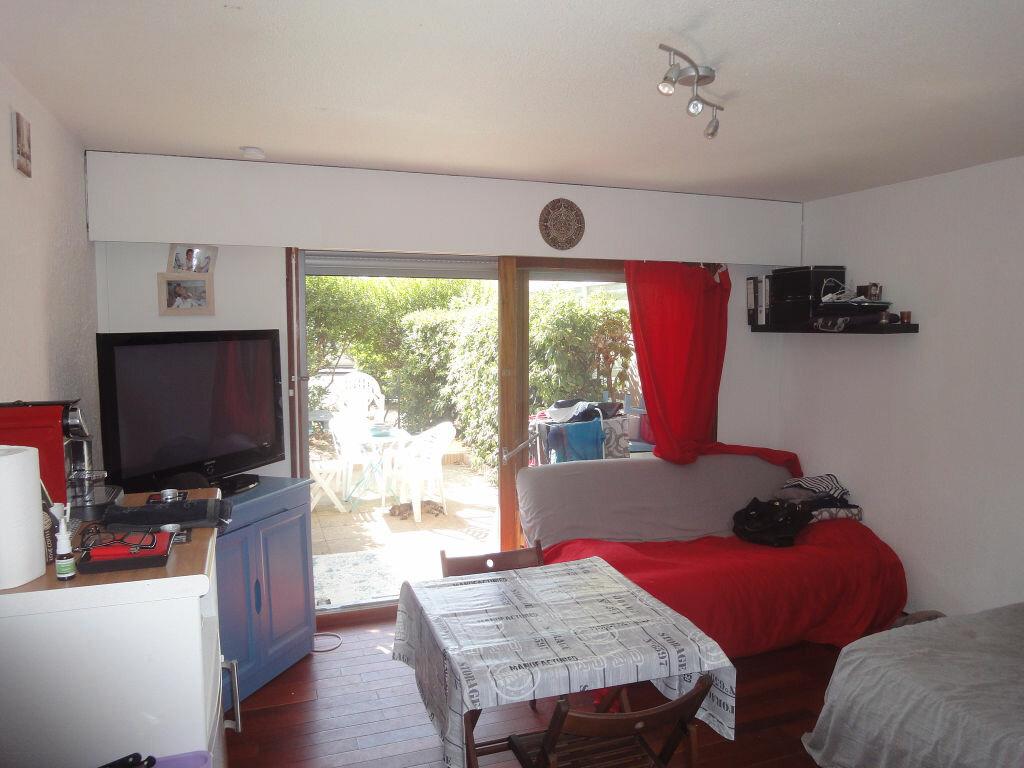 Achat Appartement 1 pièce à Canet-en-Roussillon - vignette-1