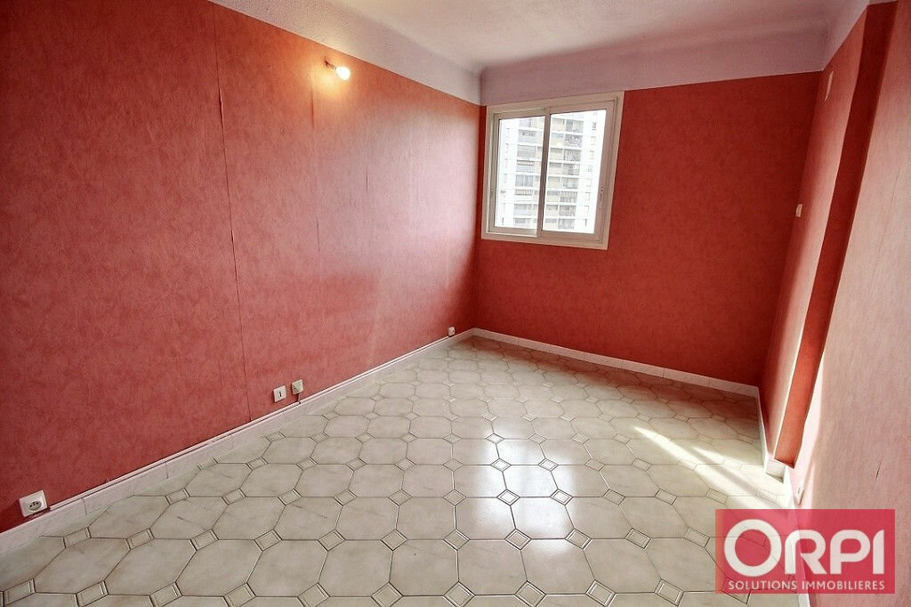 Achat Appartement 4 pièces à Marseille 11 - vignette-5