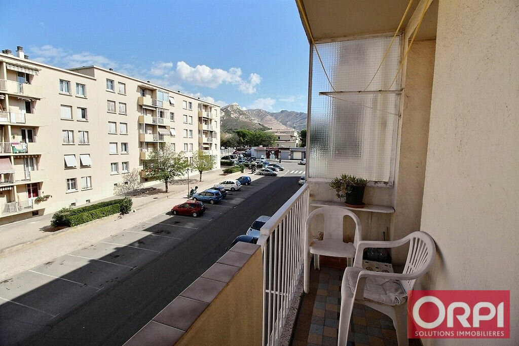Achat Appartement 3 pièces à Marseille 10 - vignette-2