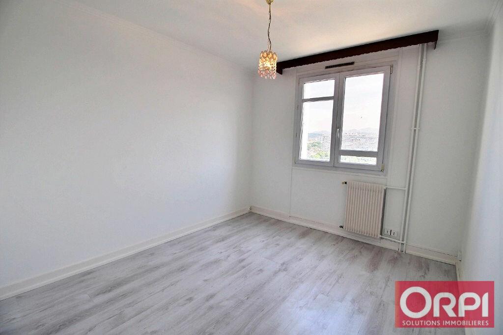 Achat Appartement 4 pièces à Marseille 10 - vignette-4
