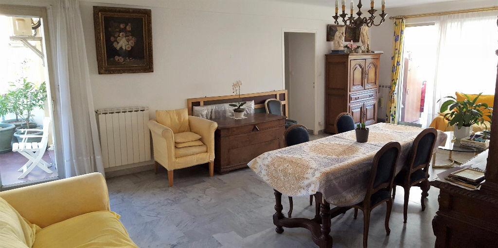 Achat Appartement 5 pièces à Hyères - vignette-1