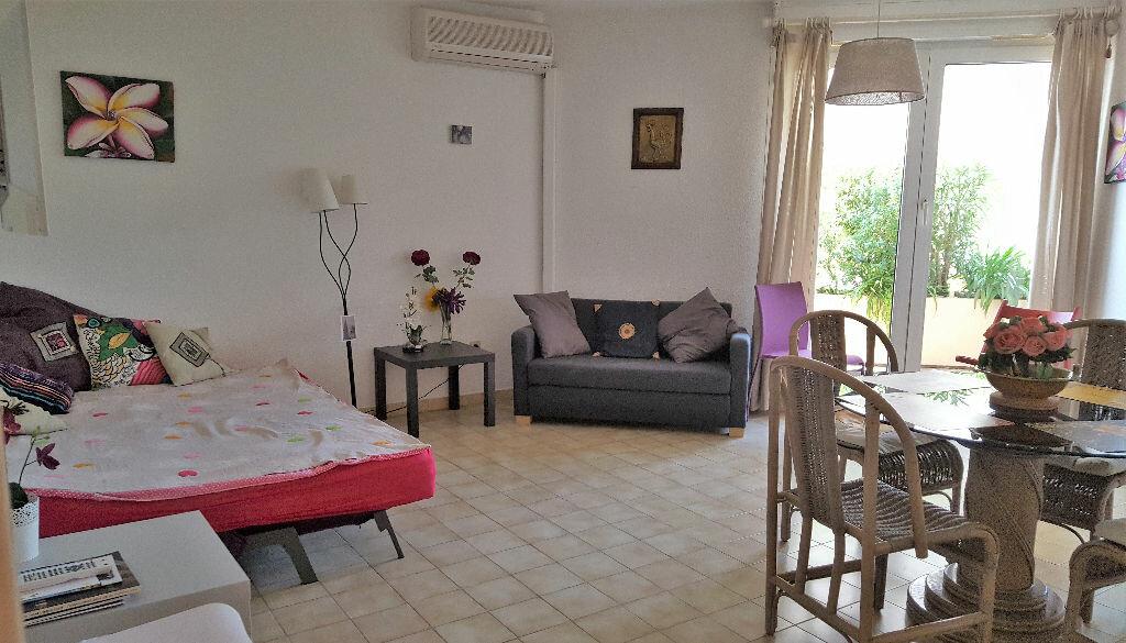 Achat Appartement 1 pièce à Hyères - vignette-1