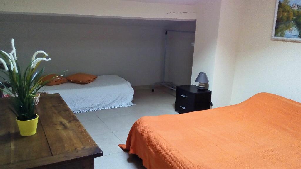 Achat Appartement 6 pièces à Hyères - vignette-9