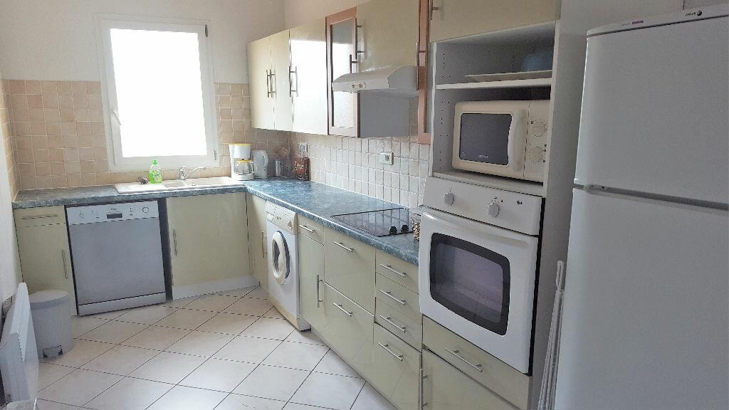 Achat Appartement 3 pièces à Hyères - vignette-3