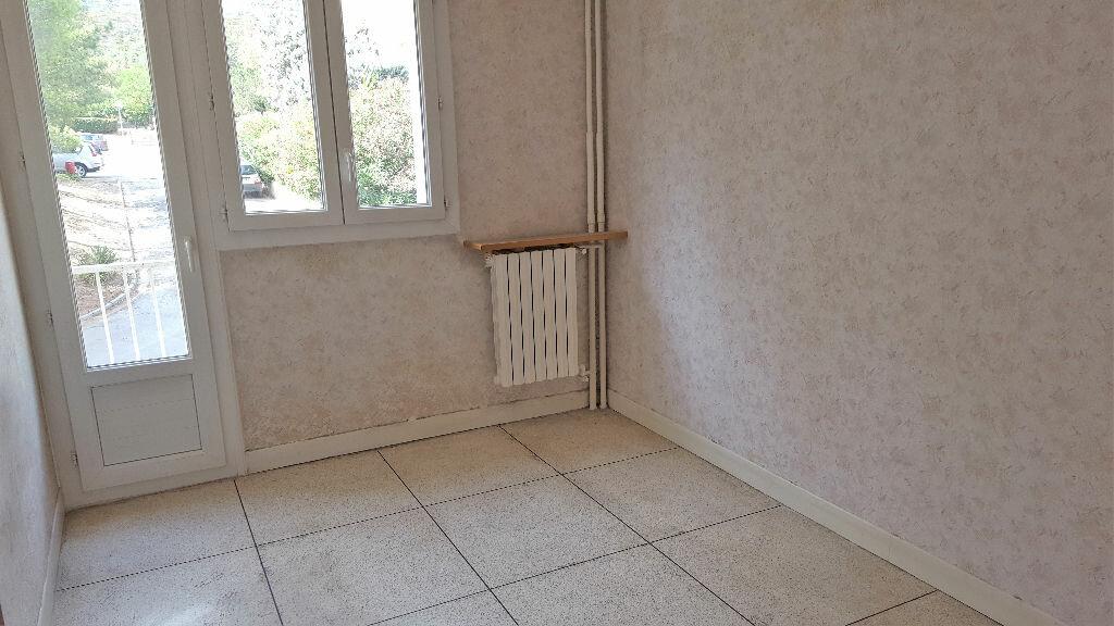 Achat Appartement 3 pièces à Hyères - vignette-5