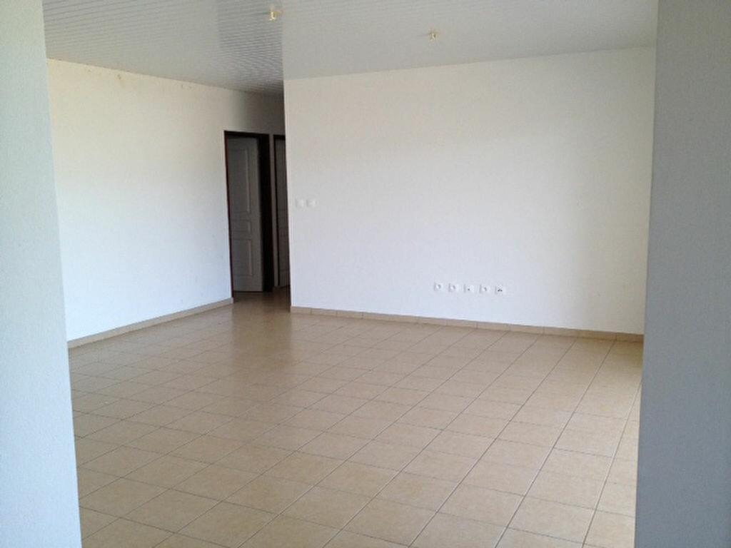 Location Maison 4 pièces à Macouria - vignette-4