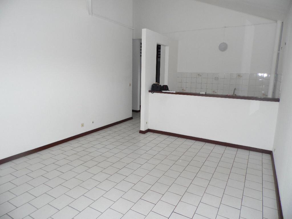 Location Appartement 2 pièces à Cayenne - vignette-1