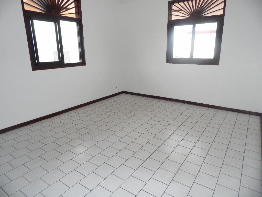 Location Appartement 2 pièces à Cayenne - vignette-3