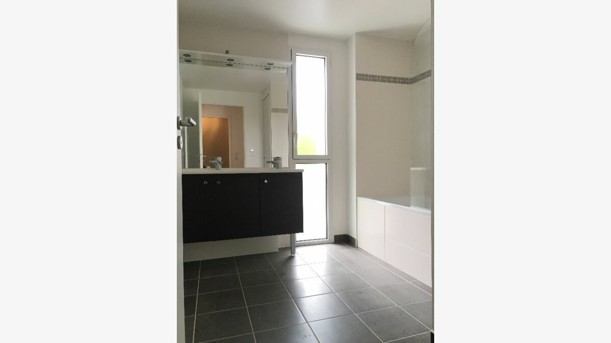 Location Appartement 4 pièces à Rennes - vignette-3