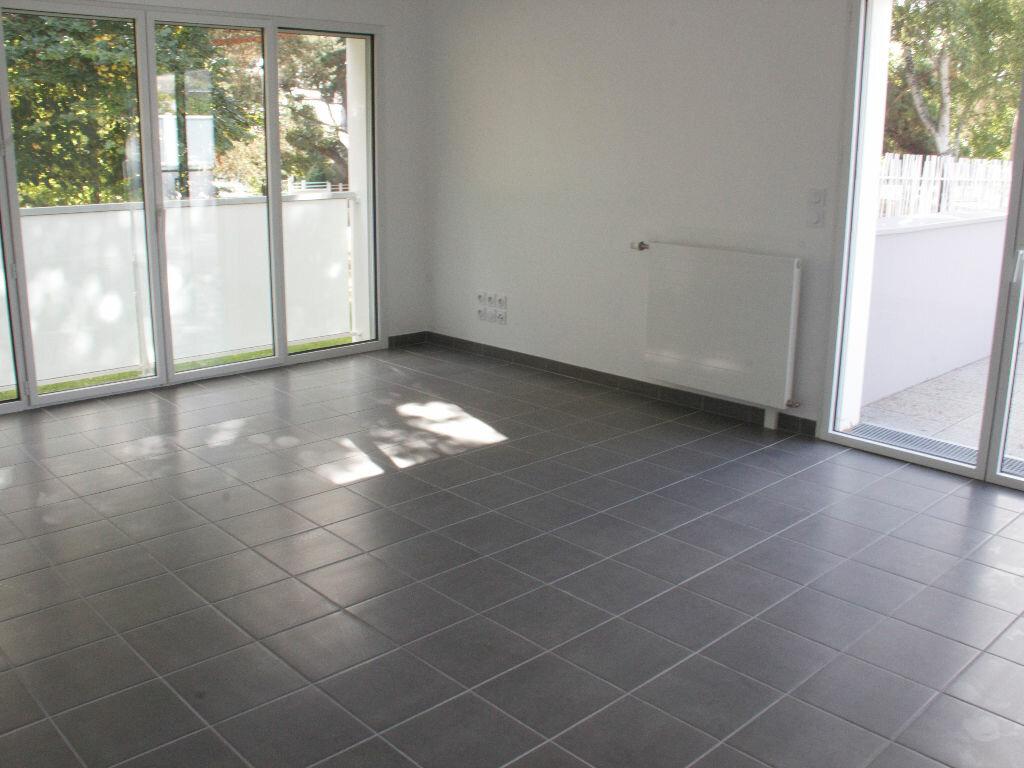 Location Appartement 3 pièces à Rennes - vignette-2