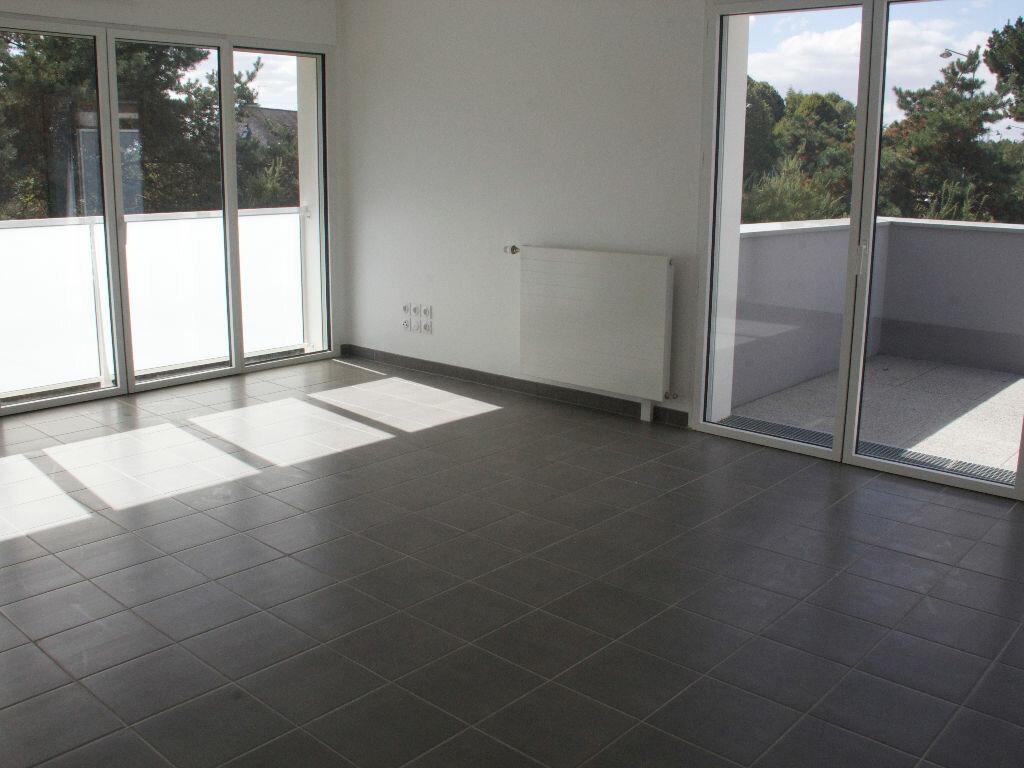 Location Appartement 4 pièces à Rennes - vignette-1