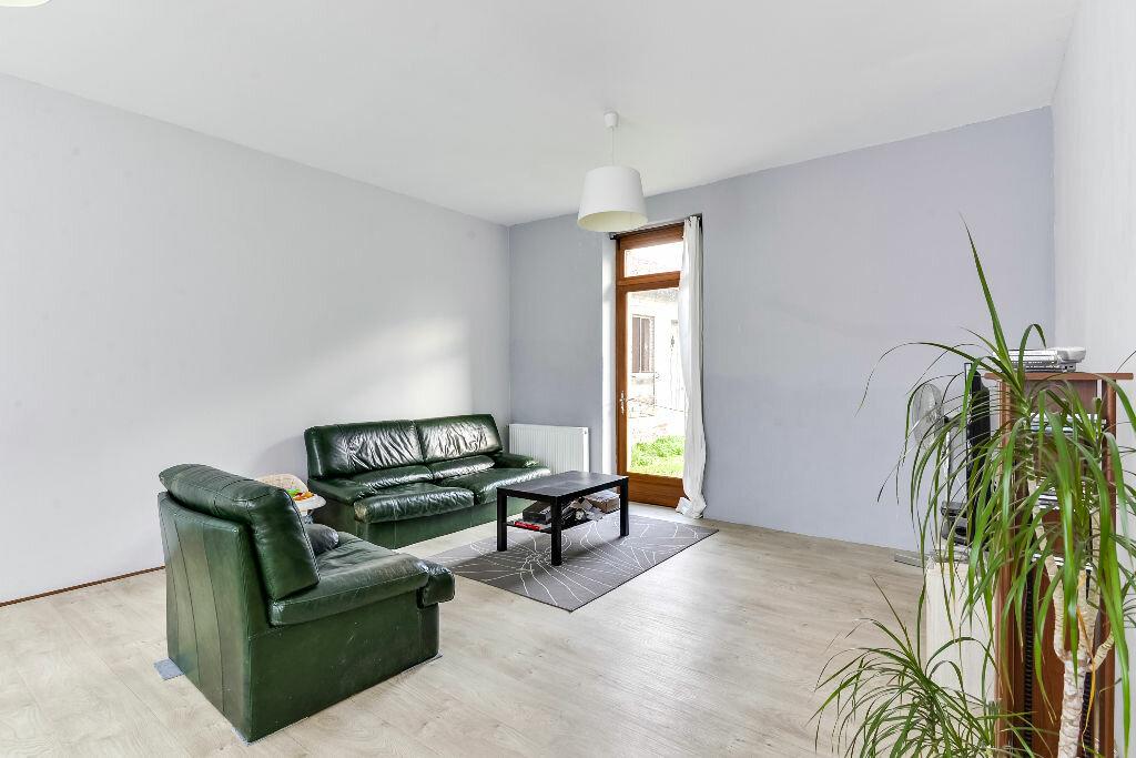 Achat Maison 7 pièces à Bazoches-sur-Vesles - vignette-2