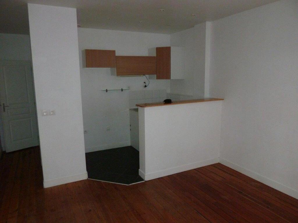 Location Appartement 2 pièces à Collonges-au-Mont-d'Or - vignette-1