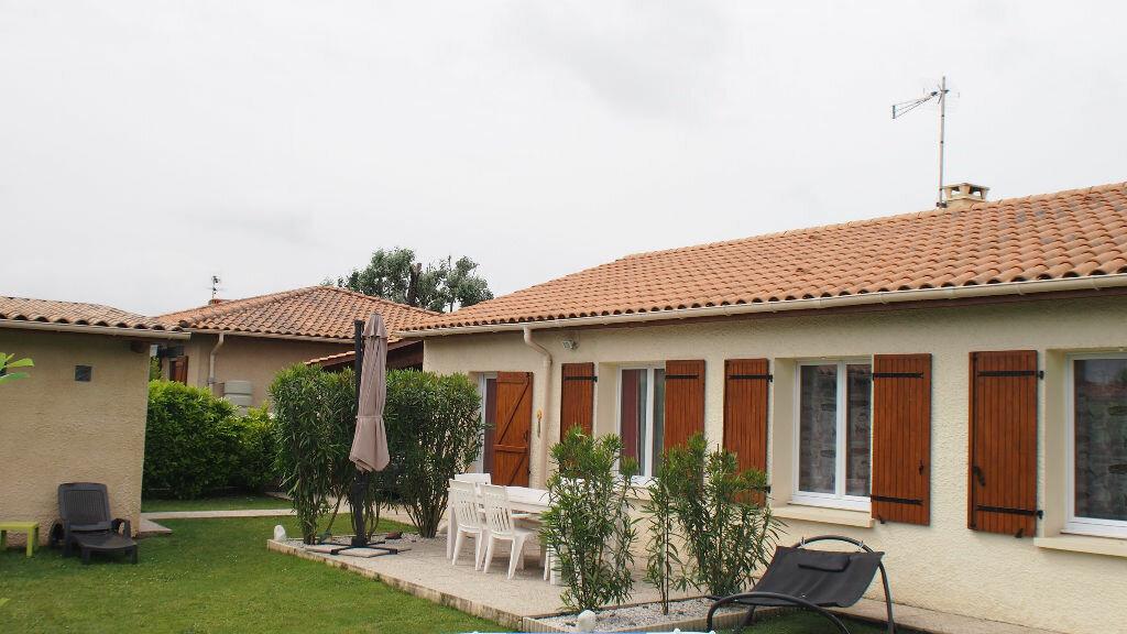 Achat Maison 4 pièces à Saint-Louis-de-Montferrand - vignette-2