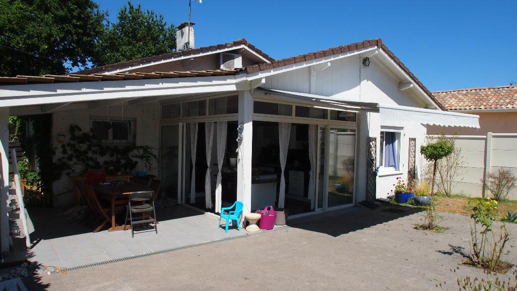 Achat Maison 4 pièces à Saint-Loubès - vignette-1
