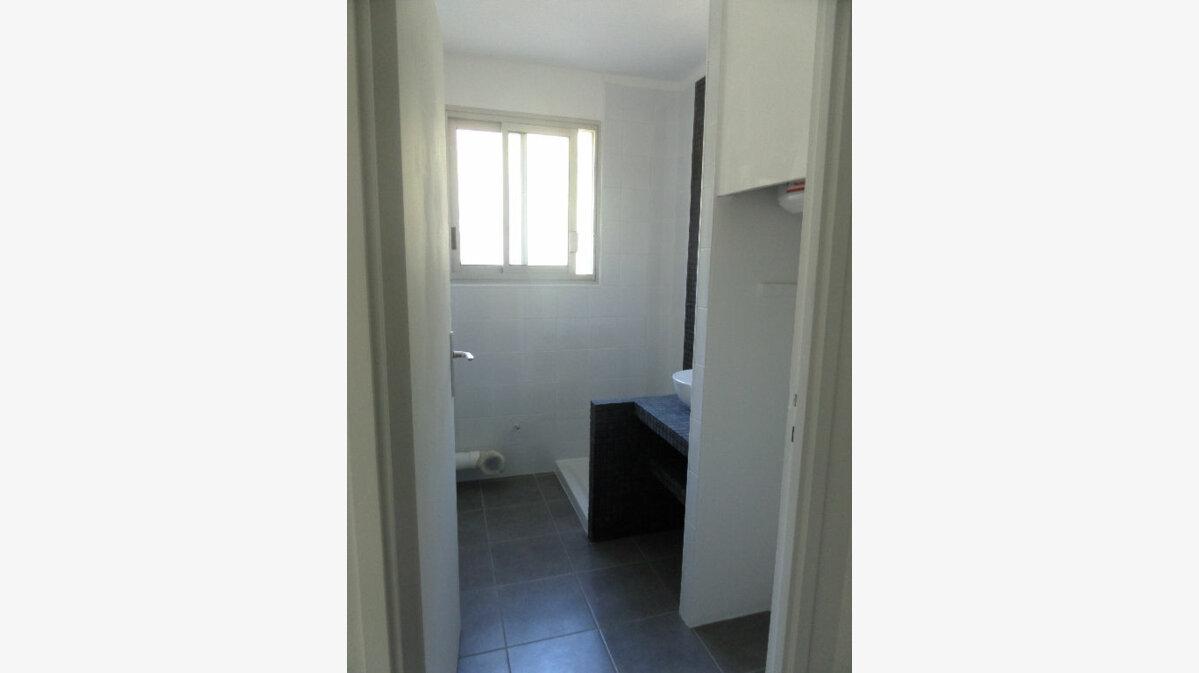 Location Appartement 1 pièce à Ajaccio - vignette-2