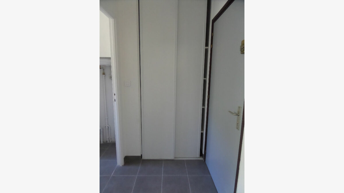 Location Appartement 1 pièce à Ajaccio - vignette-5