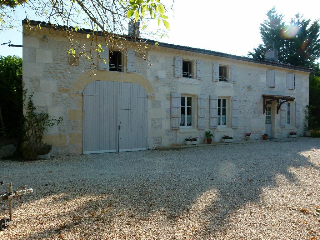 Achat Maison 4 pièces à Saint-Sauvant - vignette-1