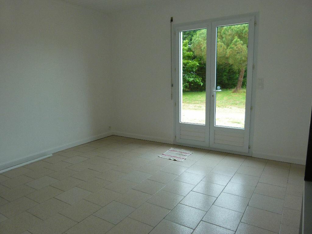 Location Maison 2 pièces à Le Gua - vignette-4