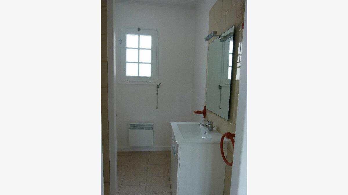 Location Maison 2 pièces à Le Gua - vignette-6