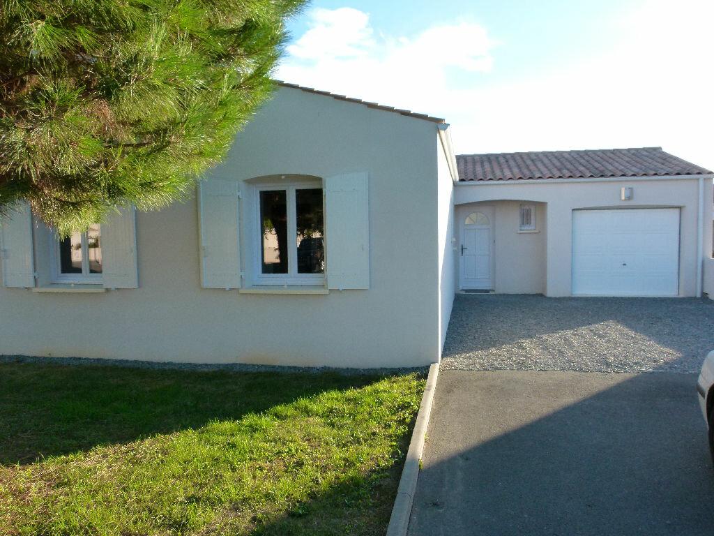 Location Maison 4 pièces à Nieulle-sur-Seudre - vignette-1