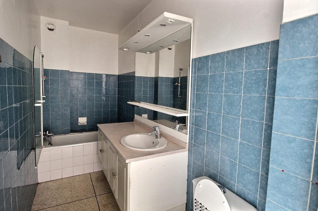 Location Appartement 1 pièce à Marseille 10 - vignette-3