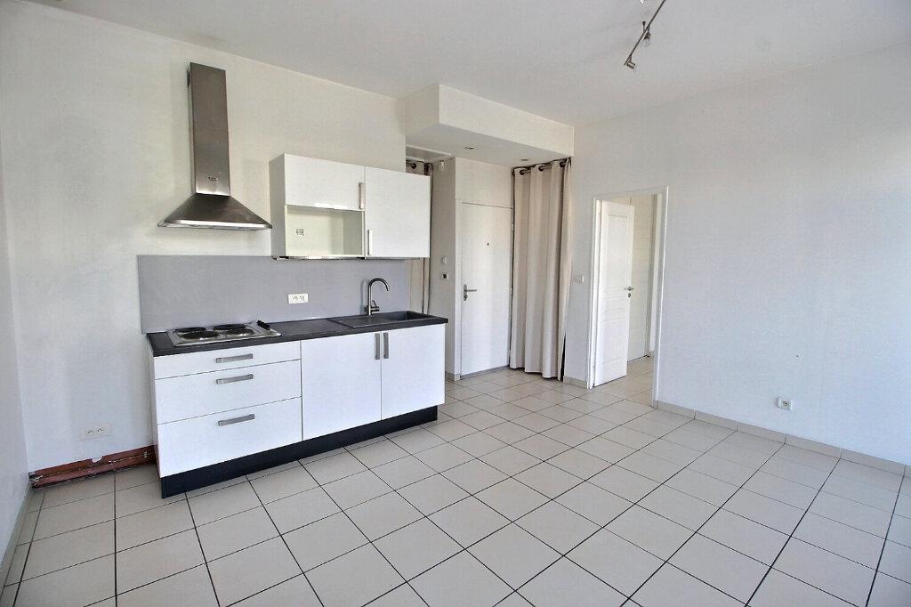 Location Appartement 2 pièces à Marseille 10 - vignette-1