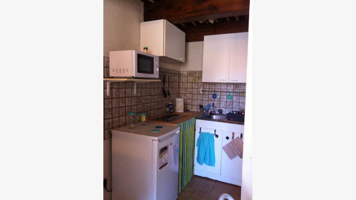 Location Appartement 1 pièce à Marseille 12 - vignette-1