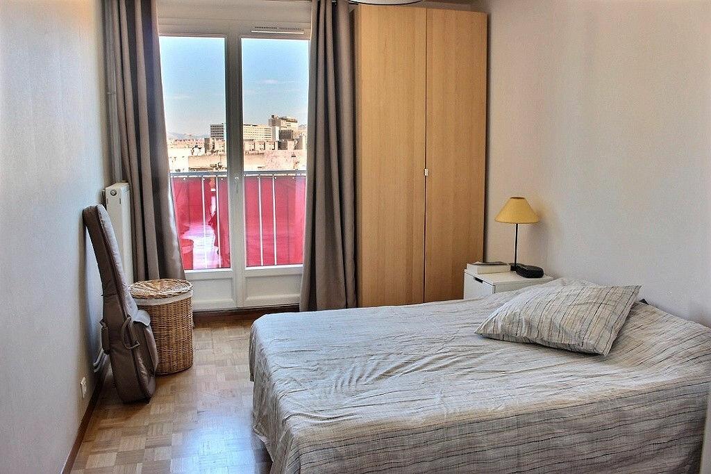 Achat Appartement 3 pièces à Marseille 5 - vignette-6