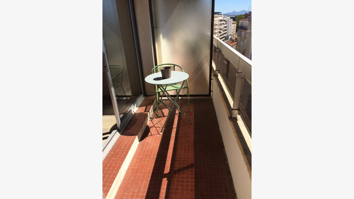 Location appartement 20 t marseille 5 430 orpi for Agence orpi location