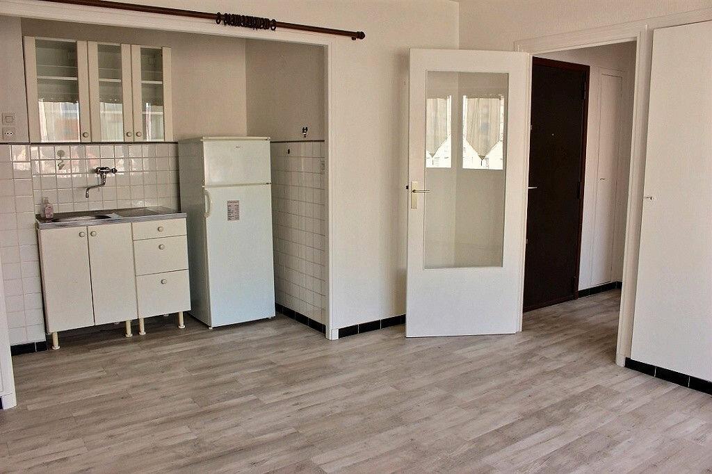 Location Appartement 2 pièces à Marseille 5 - vignette-1