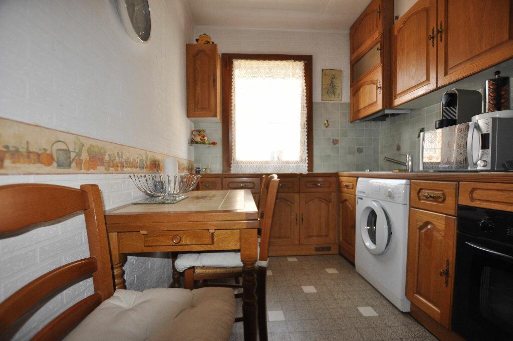 Achat Appartement 3 pièces à Marseille 5 - vignette-3