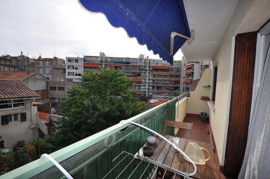 Achat Appartement 3 pièces à Marseille 5 - vignette-10