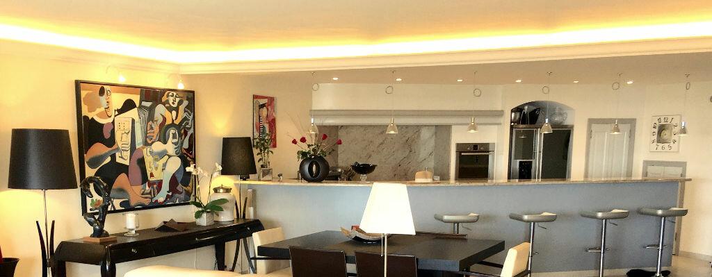 Achat Appartement 4 pièces à Mandelieu-la-Napoule - vignette-2