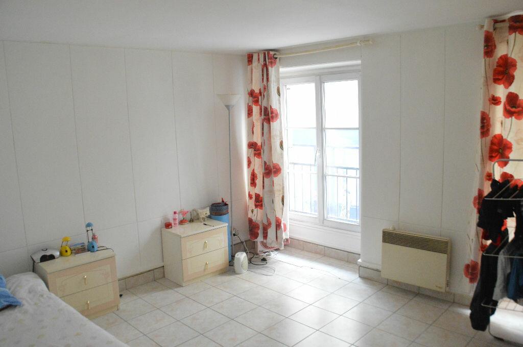 Achat Appartement 4 pièces à Paris 10 - vignette-1