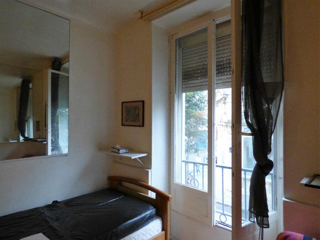 Achat Appartement 1 pièce à Paris 10 - vignette-3
