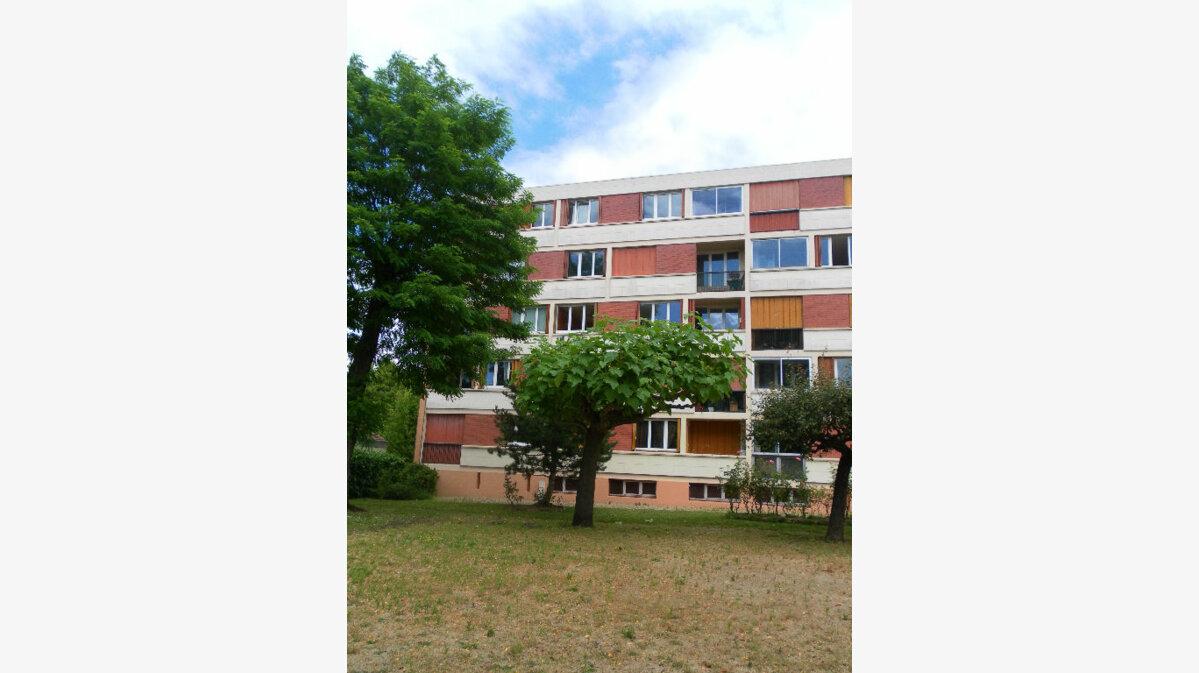 Location Appartement 4 pièces à Bry-sur-Marne - vignette-1