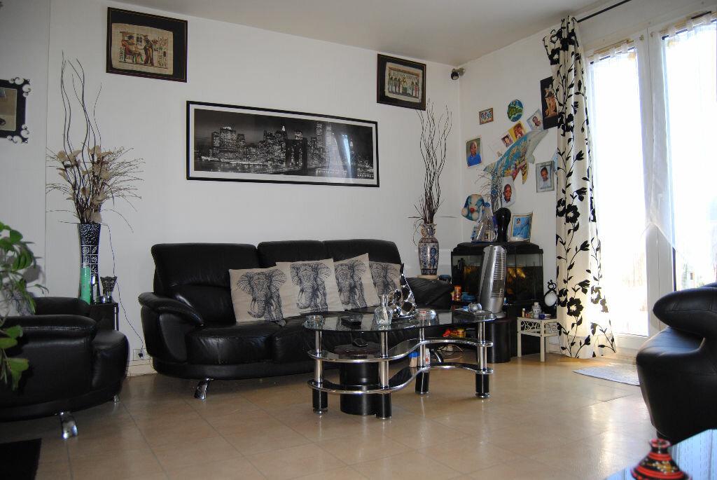 Achat Appartement 3 pièces à Villepinte - vignette-1