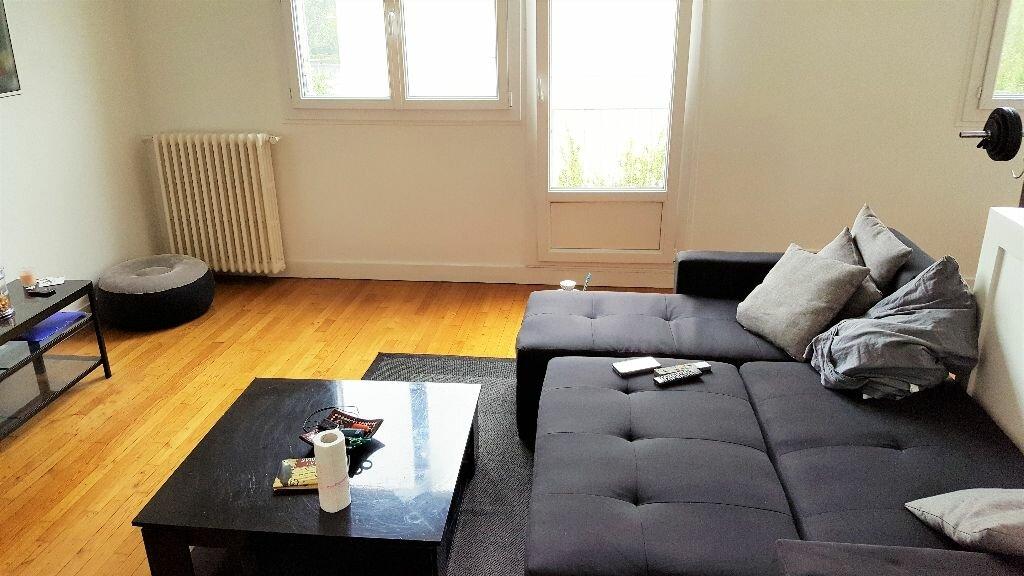 Location Appartement 3 pièces à Aulnay-sous-Bois - vignette-1