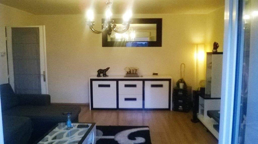 Location Appartement 2 pièces à Aulnay-sous-Bois - vignette-1