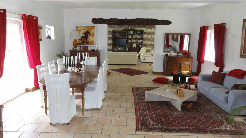 Achat Maison 11 pièces à Saint-Gilles-de-la-Neuville - vignette-1